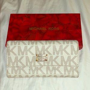 Michael Kors MR Monogram wallet